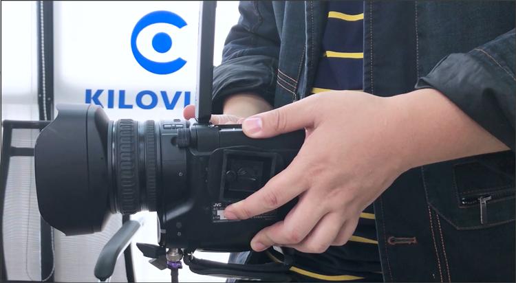 L支架摄像机拍摄画面